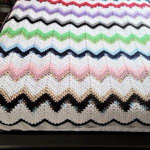 Hand made zig zag crochet throw/afghan/blanket.